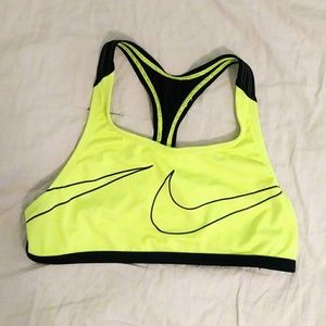 NWOT Nike Girls Neon Yellow and Black Sports Bra